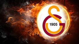 Galatasaray'da şok! Yeni transfer derbide tribünde
