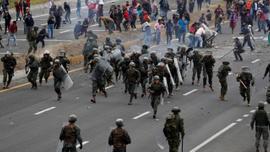 Ekvador'da protestolar devam ediyor: 50 polis rehin.
