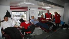 Mehmetçik için kan veren vatandaşlar ve Suriyeliler rekor kırdı