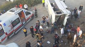Gebze'de işçi servisi devrildi! Yaralılar var