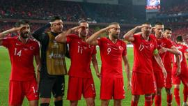 Süper Lig'den UEFA'ya 'asker selamı' tepkisi