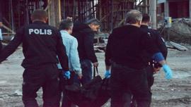 Çanakkale sahilinde ölen yaşlı kadının üstünü kumlar kapatınca