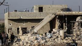 Rusya'nın İdlib'e hava saldırısında 5 sivil öldü
