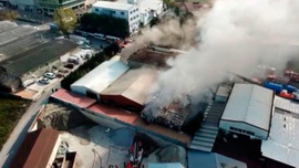 Tuzla'da fabrika yangını: Çok sayıda itfaiye sevk edildi