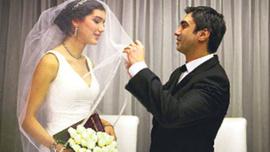 Başka bir kadınla evli olduğu iddiasına flaş yanıt