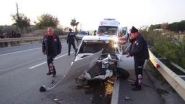Otomobil, elektrikli bisiklete çarptı: 2 yaralı