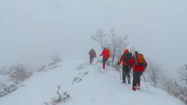 Yer: Kaz Dağları... - 20 derecede zirveye böyle tırmandılar!