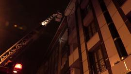 Esenyurt'ta yangın paniği:  10 kişi mahsur kaldı