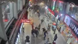 Elazığ Sivrice'deki depremde binanın yıkılma anı MOBESE kamerasında