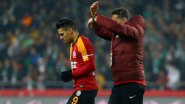 Galatasaray'a şok! Saracci ve Falcao...