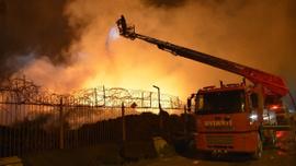 Adana'daki pamuk yağı fabrika yangını dördüncü gününde