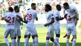 Antalyaspor kazandı, Akhisarspor ateşe düştü