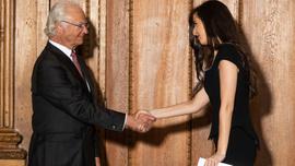 Türk gencine İsveç Kralı'nın elinden diploma
