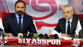 Rıza Çalımbay Sivasspor'a imzayı attı