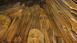 Astıma iyi geldiğine inanılan şifalı mağara