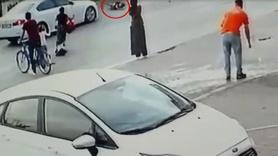 Bir anda yola fırladı! 8 yaşındaki çocuğa otomobil çarptı