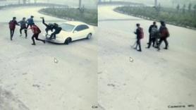 Düzce'de kontrolden çıkan otomobil öğrencilerin arasına daldı