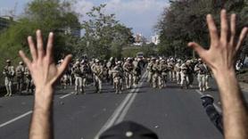Ülke yanıyor ordu sokağa indi! Ölü sayısı artıyor...