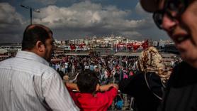 İBB'den Eminönü'nde balık ekmek satan tekneleri kaldırma kararı