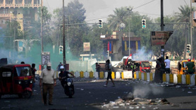 Gerilim yükseliyor… Yeşil Bölge'ye girmek için polisle çatıştılar