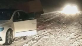 Ulaşıma kar engeli! Araçlar yolda kaldı