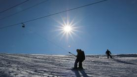 Elazığ'da kayak merkezinde tatilciler festivalle coştu