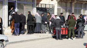 Haberi duyan Suriyeliler gümrük kapısına akın etti