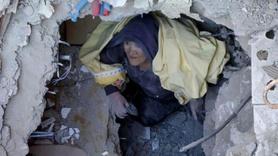 Depremde 19 saat enkaz altında kaldı ilk isteği başörtüsü oldu