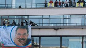 Paris'te skandal olay... AFP binasına Öcalan posteri astılar