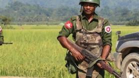 Myanmar ordusu Arakan'dan askerleri çekiyor!
