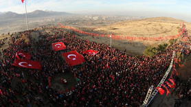 Ecdada saygı için 20 bin kişi sabah ezanıyla yürüyüşe geçti