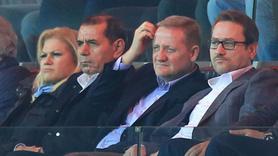 Dursun Özbek'ten şok hareket!