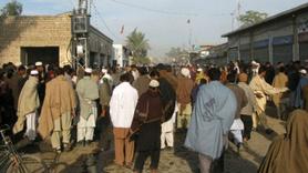 Pakistan'da camiye silahlı saldırı!