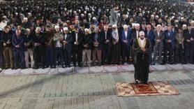 Ayasofya Meydanı'nda ''Fetih Namazı''