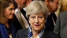 İngiltere Başbakanı Theresa May özür diledi