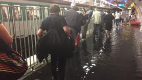 Burası Avrupa şehri Paris! Metro sular altında