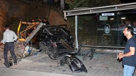 Maltepe'de trafik kazası: 1 ölü, 2 yaralı