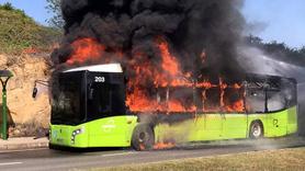 Seyir halindeki halk otobüsü alev alev yandı!