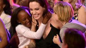 Angelina Jolie ilk kez konuştu: Bulaşık yıkayıp evi temizliyorum
