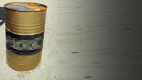 Karadeniz'de içi sıvı dolu variller bulundu