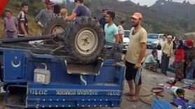 Fındık işçilerini taşıyan traktör devrildi: 10 yaralı