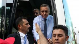Cumhurbaşkanı Erdoğan görünce otobüsten indi