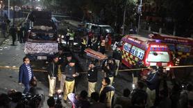 Pakistan'da bomba yüklü kamyon patladı