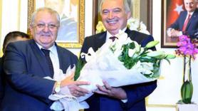 İBB'nin yeni başkanı Mevlüt Uysal görevi devraldı