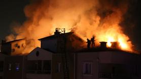 Bursa'da gecenin karanlığını aydınlatan yangın