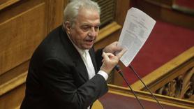 Yunan bakanın korumalarına molotoflu saldırı
