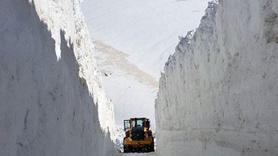 Bu fotoğraf Türkiye'den... Kar kalınlığı 4 metre!