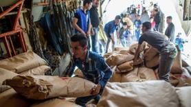 BM'den yardım rezaleti... Paketlerden bakın ne çıktı