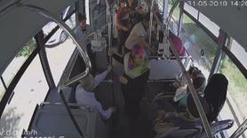 Otobüste yumruk yumruğa kavga