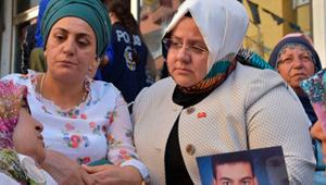 Ahmet Hakan'dan Bakan Selçuk'un eylemdeki annelere ziyaretine tepki